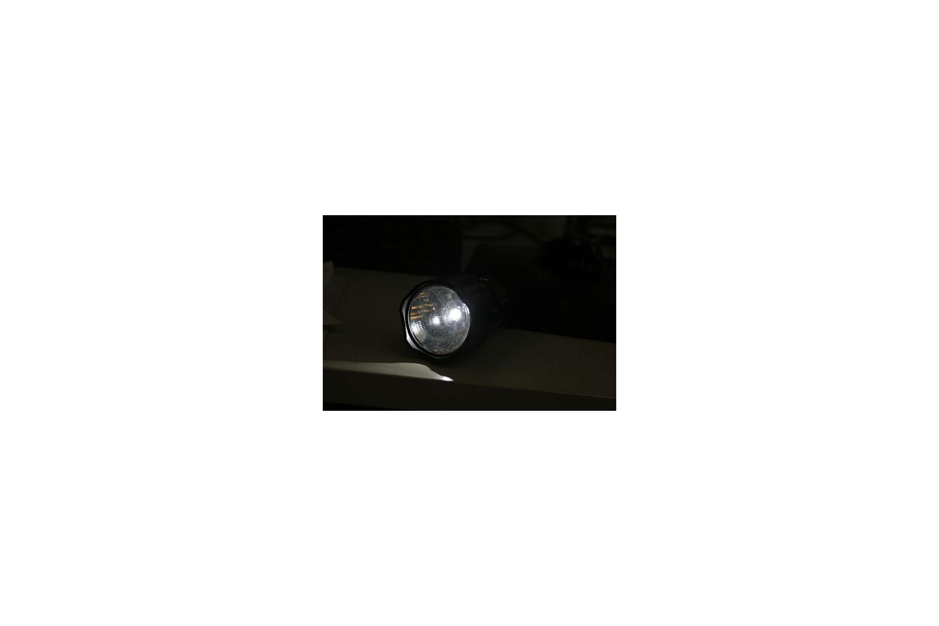 Lanterna De Mão Recarregável Duralight - Nautika